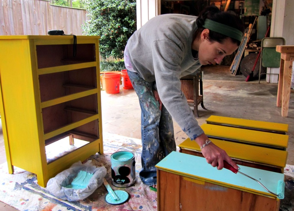 painting a two tone dresser