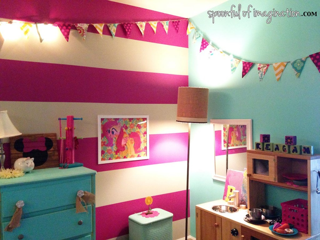 little_girl_bedroom_wall_art