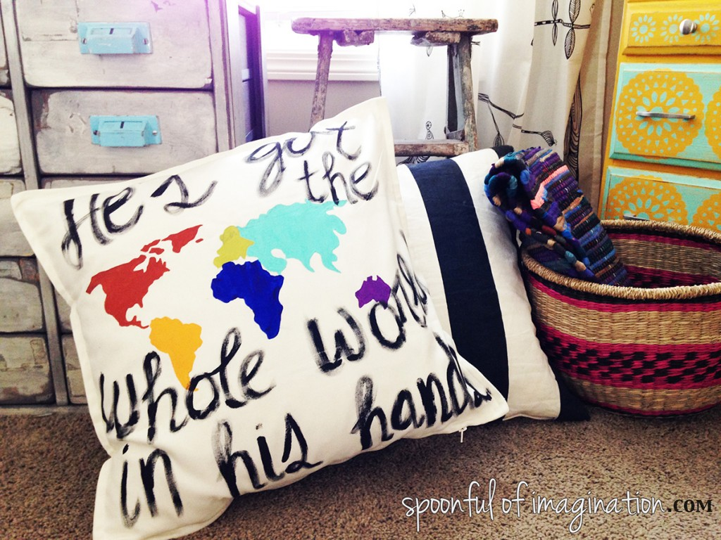 DIY_painted_pillow