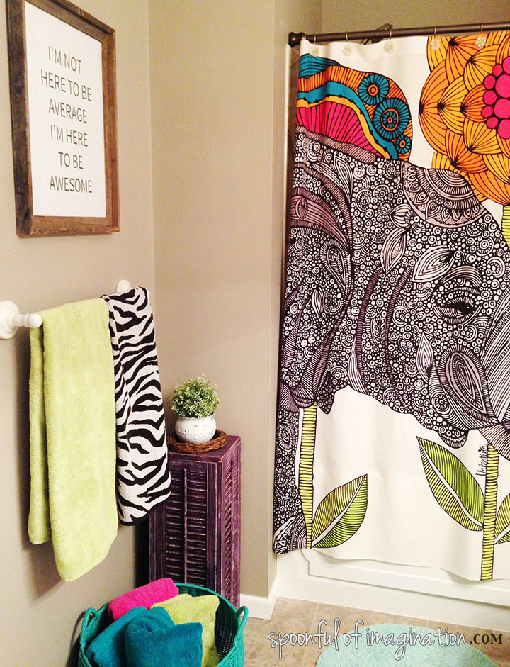 colorful_bathroom_decor