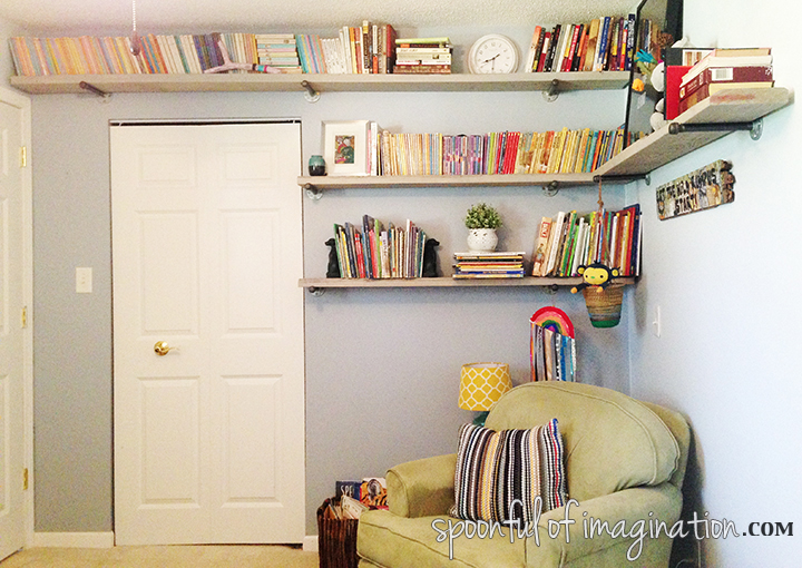 shelves_for_kids_room